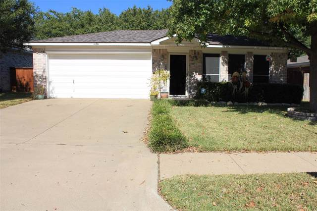 1136 Victoria Drive, Saginaw, TX 76131 (MLS #14211838) :: Lynn Wilson with Keller Williams DFW/Southlake