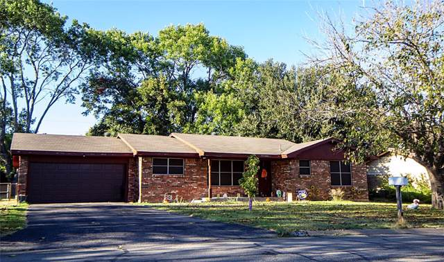1010 Davis Street, Cleburne, TX 76033 (MLS #14211906) :: Robbins Real Estate Group