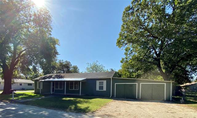 705 S Howeth Street, Gainesville, TX 76240 (MLS #14212211) :: RE/MAX Town & Country