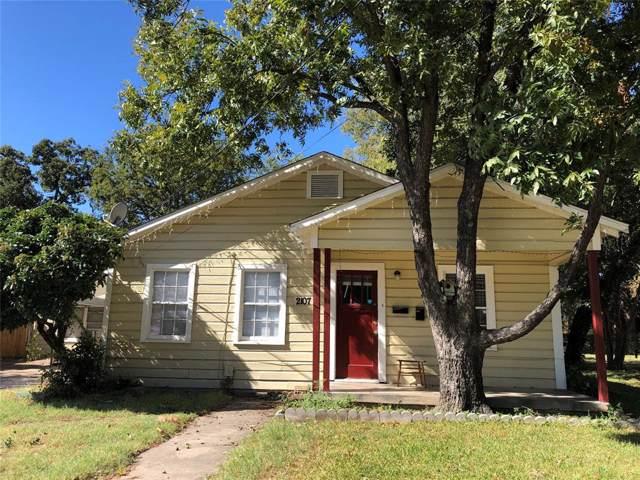 2107 N Riverside Drive, Fort Worth, TX 76111 (MLS #14212769) :: SubZero Realty
