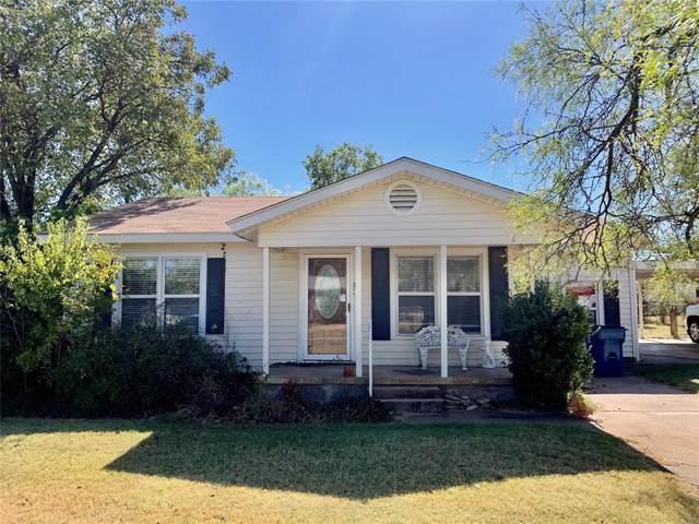 909 Rambler Street, Albany, TX 76430 (MLS #14212937) :: The Chad Smith Team