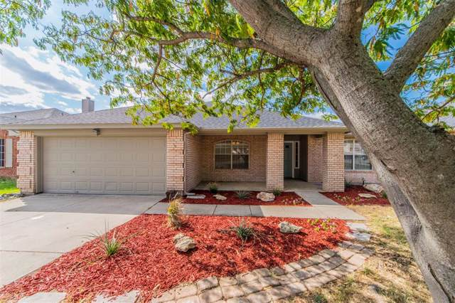 4805 Saint Thomas Place, Fort Worth, TX 76135 (MLS #14213049) :: All Cities Realty