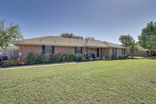 10110 Carlton Parkway, Waxahachie, TX 75165 (MLS #14214478) :: Van Poole Properties Group