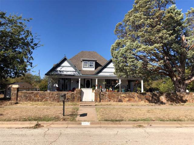 700 Kentucky Street, Graham, TX 76450 (MLS #14215606) :: RE/MAX Town & Country