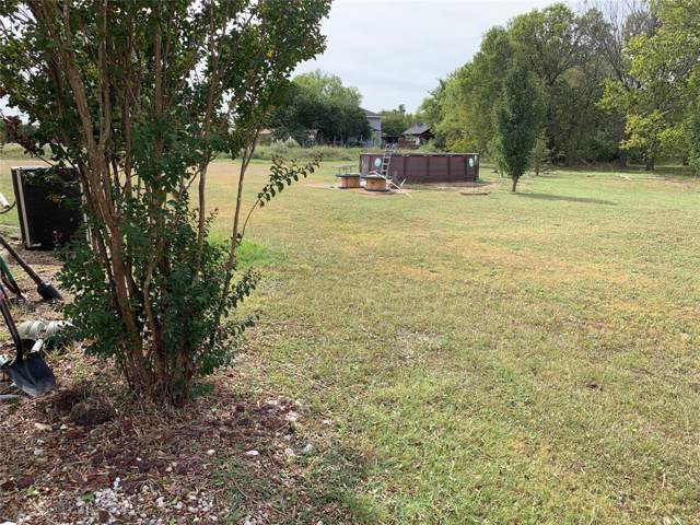831 Country Club, Lucas, TX 75002 (MLS #14215914) :: RE/MAX Town & Country