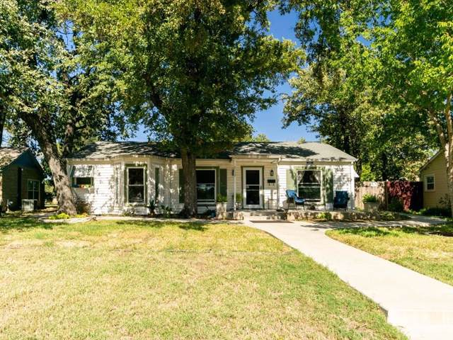 2153 W Lotus Avenue, Fort Worth, TX 76111 (MLS #14216534) :: RE/MAX Town & Country