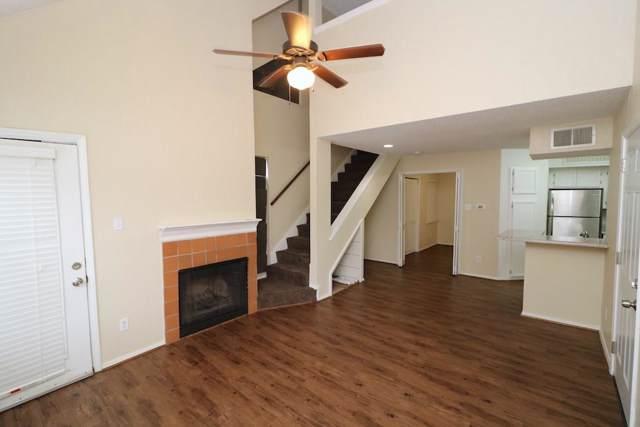 9811 Walnut Street #205, Dallas, TX 75243 (MLS #14216595) :: The Hornburg Real Estate Group