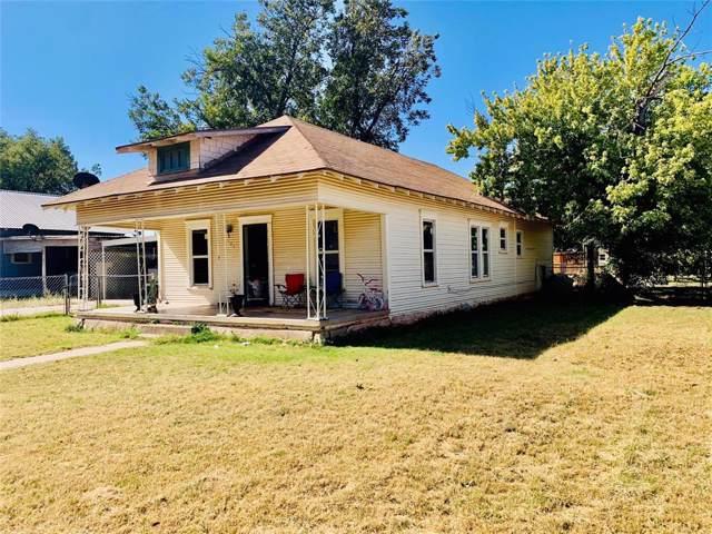 207 N Foley Street, Seymour, TX 76380 (MLS #14216699) :: Dwell Residential Realty