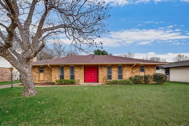 1703 Briardale Court, Arlington, TX 76013 (MLS #14217167) :: The Kimberly Davis Group