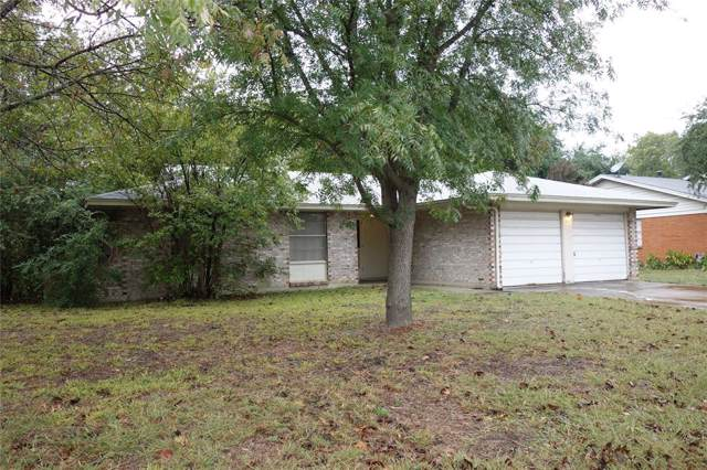 208 Lester Street, Burleson, TX 76028 (MLS #14218180) :: RE/MAX Town & Country