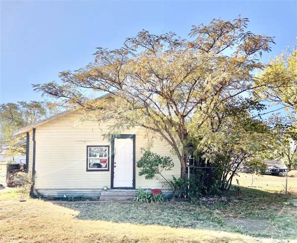 250 Concho Street, Tye, TX 79563 (MLS #14218593) :: The Heyl Group at Keller Williams