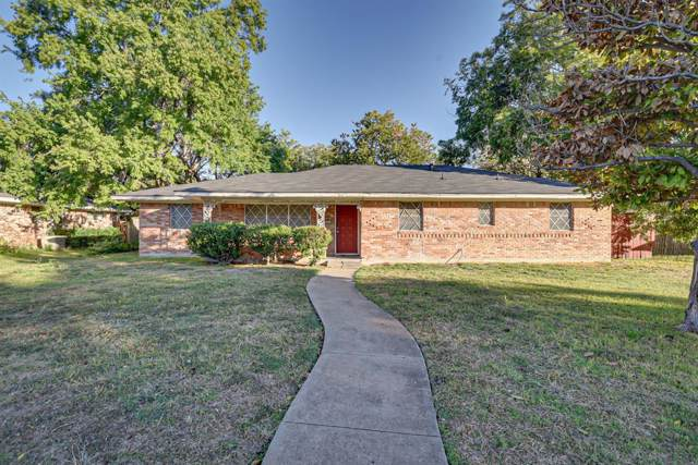 810 Danish Drive, Grand Prairie, TX 75050 (MLS #14219918) :: The Kimberly Davis Group