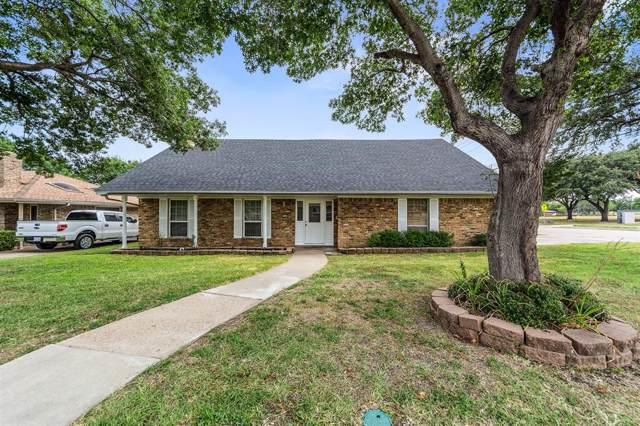 2100 Brentwood Drive, Carrollton, TX 75006 (MLS #14220154) :: Lynn Wilson with Keller Williams DFW/Southlake