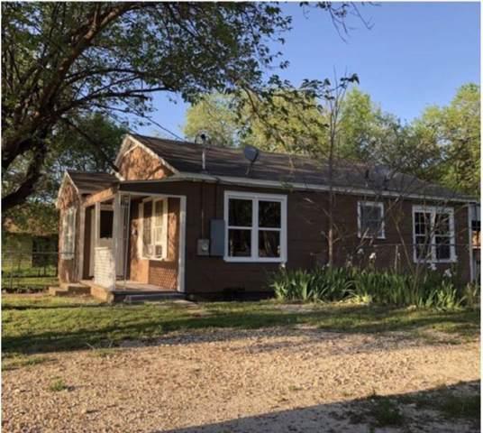 207 Duncan Street, Hillsboro, TX 76645 (MLS #14220226) :: The Kimberly Davis Group