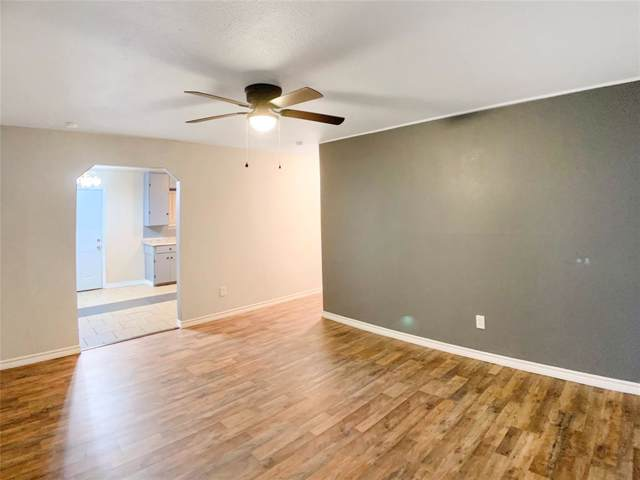 3921 Avenue H, Fort Worth, TX 76105 (MLS #14222293) :: RE/MAX Town & Country