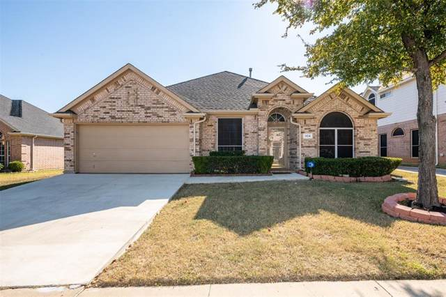 304 Fort Edward Drive, Arlington, TX 76002 (MLS #14222357) :: The Sarah Padgett Team