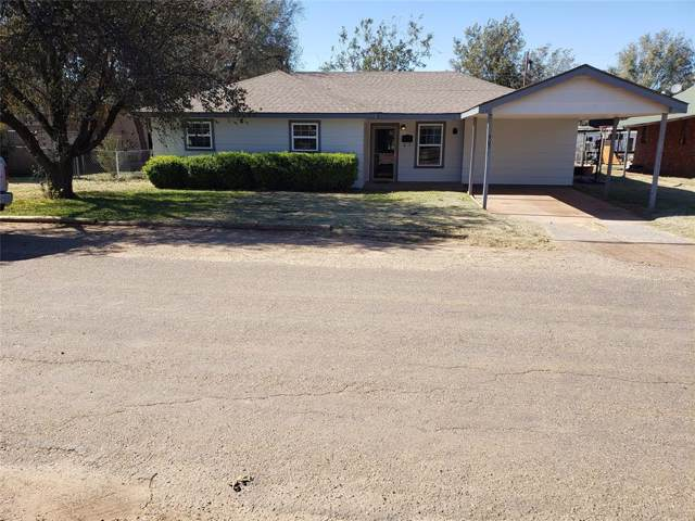 903 N Houston Street, Shamrock, TX 79079 (MLS #14222637) :: The Mauelshagen Group