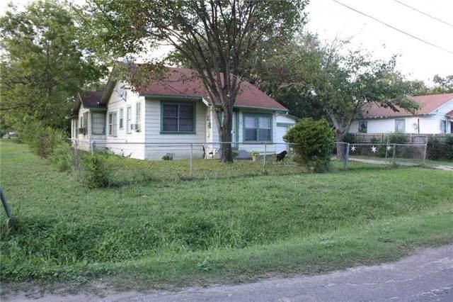 700 E 18th Avenue, Corsicana, TX 75110 (MLS #14223469) :: The Kimberly Davis Group