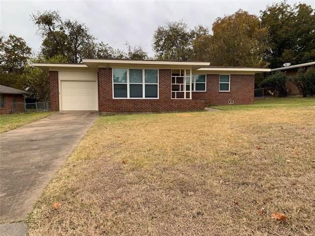 1405 Robin Drive, Sherman, TX 75092 (MLS #14223500) :: Team Hodnett