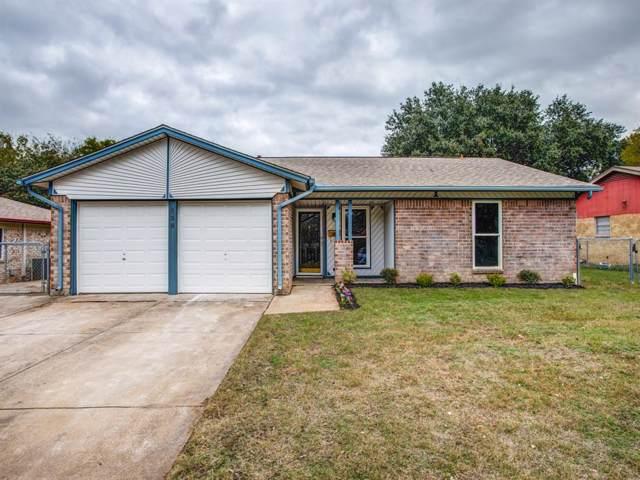 929 Skelly Street, Crowley, TX 76036 (MLS #14223555) :: Century 21 Judge Fite Company
