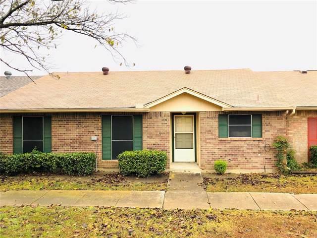 22 E Townhouse Lane #31, Grand Prairie, TX 75052 (MLS #14223806) :: The Hornburg Real Estate Group