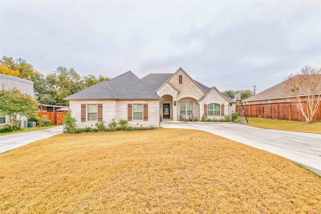 5613 Cuero Drive, Granbury, TX 76049 (MLS #14224053) :: RE/MAX Town & Country