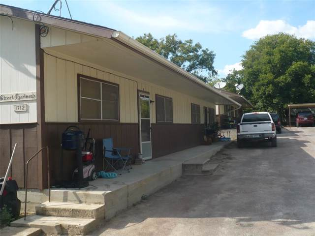 1712 W Peach Street, Goldthwaite, TX 76844 (MLS #14224198) :: Team Tiller