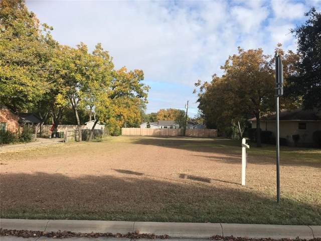 825 E Worth Street, Grapevine, TX 76051 (MLS #14224227) :: The Kimberly Davis Group