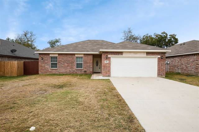 806 Pangburn Street, Grand Prairie, TX 75051 (MLS #14224310) :: RE/MAX Town & Country