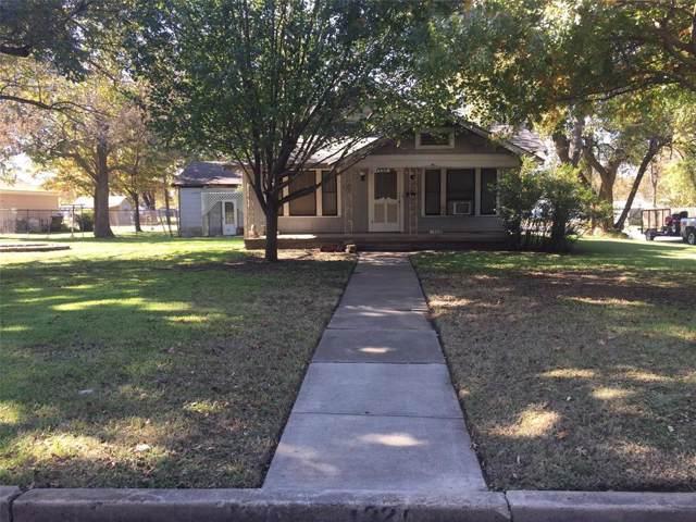 1320 N Cleveland Avenue, Sherman, TX 75090 (MLS #14224691) :: Team Hodnett