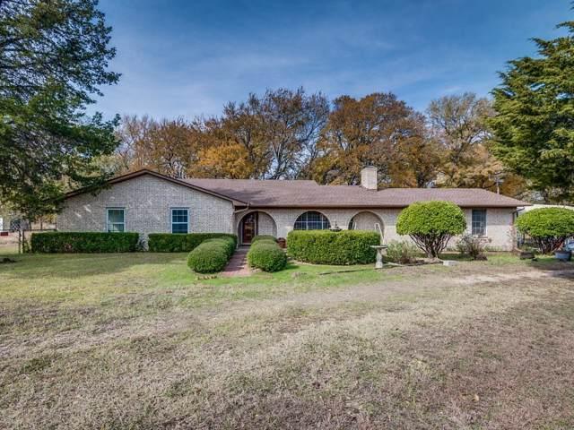 301 Twin Lakes Drive, Waxahachie, TX 75165 (MLS #14225035) :: Century 21 Judge Fite Company