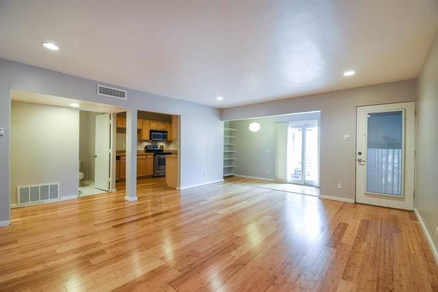 3116 Mahanna Street #11, Dallas, TX 75235 (MLS #14225129) :: The Good Home Team