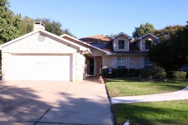 2823 Glen Hollow Circle, Arlington, TX 76016 (MLS #14225505) :: Century 21 Judge Fite Company