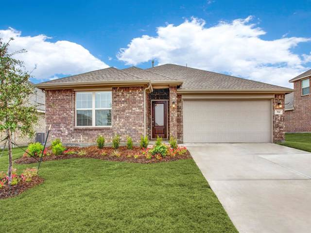 702 Farmstead Drive, Arlington, TX 76002 (MLS #14226960) :: Frankie Arthur Real Estate