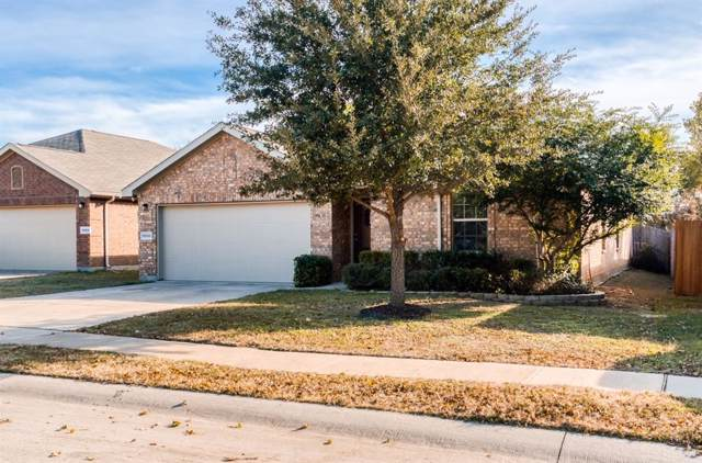 9000 Holliday Lane, Aubrey, TX 76227 (MLS #14227264) :: RE/MAX Town & Country