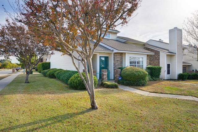 720 Creekwood Court, Lewisville, TX 75067 (MLS #14227368) :: RE/MAX Town & Country