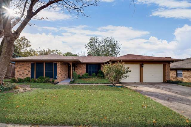 2108 Overbrook Drive, Arlington, TX 76014 (MLS #14227452) :: RE/MAX Town & Country