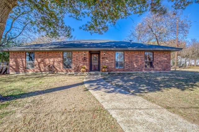 200 W Crump Street, Saint Jo, TX 76265 (MLS #14228091) :: The Heyl Group at Keller Williams