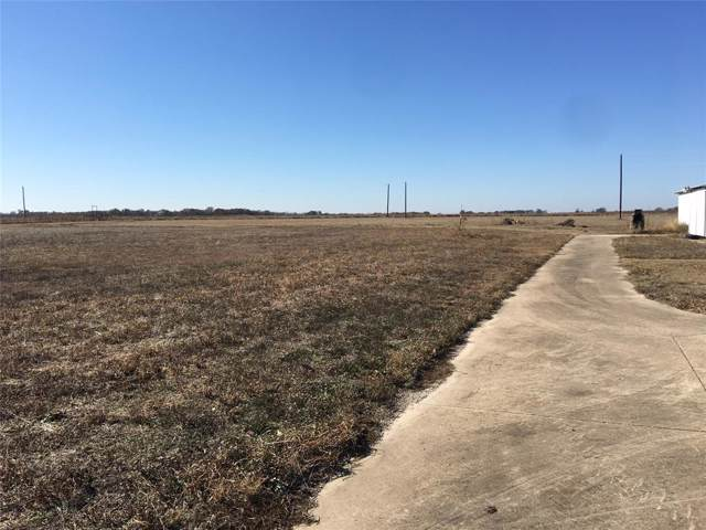 310 Grainery Road, Waxahachie, TX 75167 (MLS #14228428) :: RE/MAX Town & Country