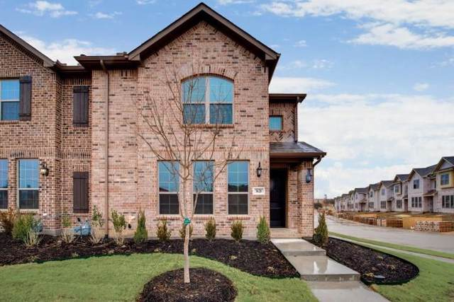 915 Ponds Edge Lane, Euless, TX 76040 (MLS #14228433) :: RE/MAX Town & Country