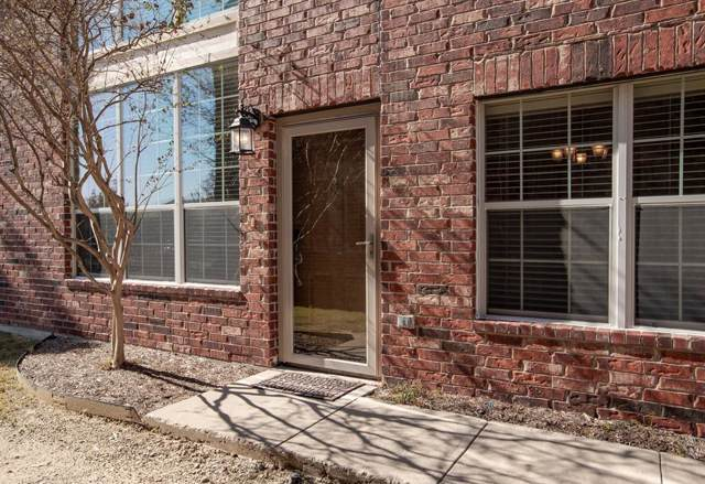 1049 Colonial Drive, Coppell, TX 75019 (MLS #14228572) :: Team Tiller