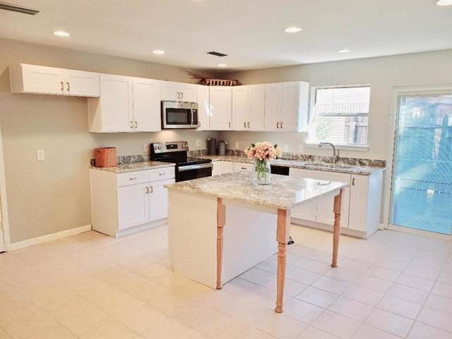 718 Gold Oaks Drive, Irving, TX 75060 (MLS #14228606) :: The Kimberly Davis Group