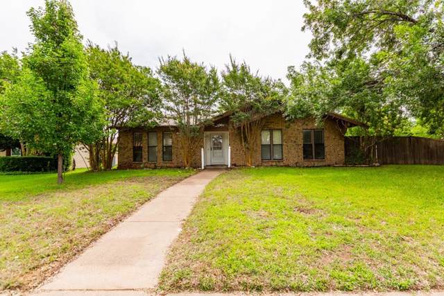 3200 Castle Drive, Plano, TX 75074 (MLS #14228746) :: RE/MAX Town & Country