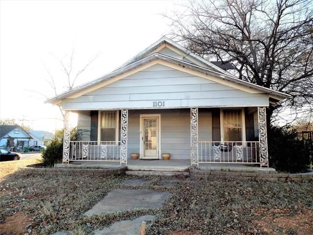 1101 N Culberson Street, Gainesville, TX 76240 (MLS #14228970) :: The Kimberly Davis Group