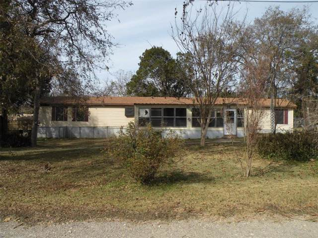 107 Red Cedar W, Whitney, TX 76692 (MLS #14229299) :: The Kimberly Davis Group