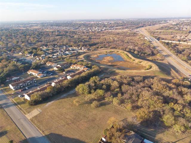 301 Altamesa Boulevard, Fort Worth, TX 76134 (MLS #14229367) :: All Cities Realty
