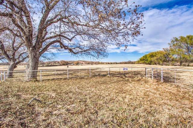 858 County Road 1596, Alvord, TX 76225 (MLS #14229634) :: NewHomePrograms.com LLC