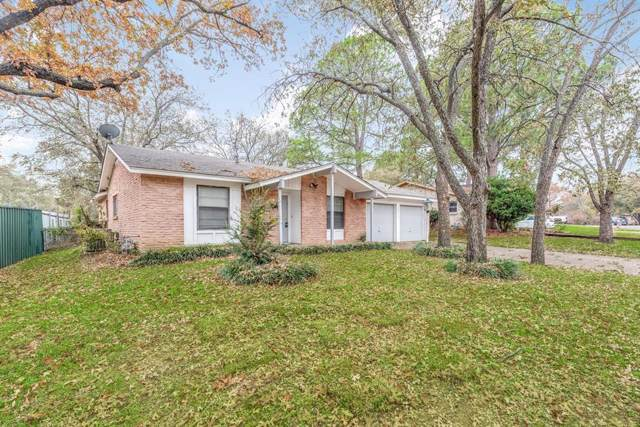 1311 Johns Drive, Euless, TX 76039 (MLS #14229889) :: The Chad Smith Team