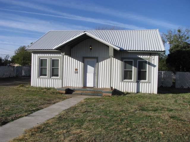 905 Hutchings Street, Goldthwaite, TX 76844 (MLS #14230630) :: Vibrant Real Estate