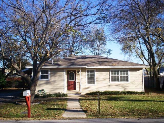 306 N Walnut Street, Roanoke, TX 76262 (MLS #14231085) :: NewHomePrograms.com LLC